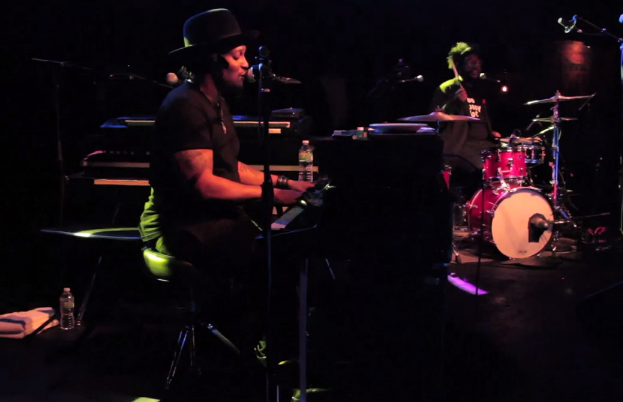 DAngelo Live At Brooklyn Bowl ft. Questlove